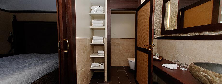 Bathrooms, mirrors, sliding doors…